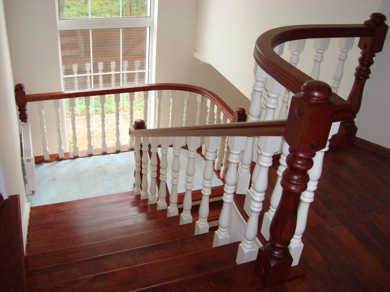 Белая лестница фото